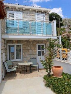 Sunny Ap.FOR TWO,Seaviews, Pool, close Dubrovnik