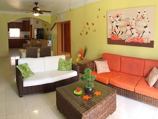 Palm Suites H4. Near to the Beach!!