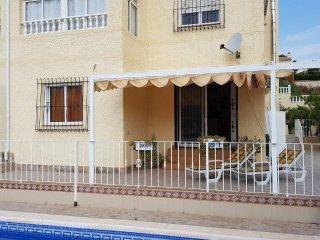 3 Appartements im Haus in Los Balcones Torrevieja mit privatem Pool