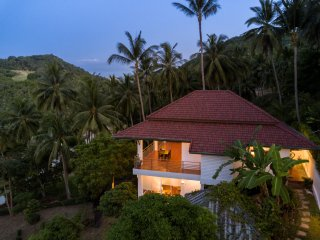 Tropical sunrise sea view vacation House sabaaiRHomes Chaweng Noi Beach Ko Samui
