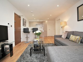 Celador Apartments - Tamar House Serviced Apartments 18