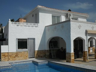 Villa Oasis - Detached 3 bedroom Villa with private pool