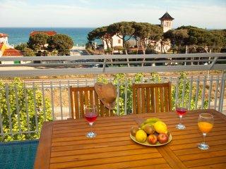 CASA ANTON, en segunda linea de playa  bonito pueblo maritimo cerca de Barcelona