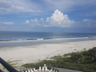 Large Oceanfront Condo on No-Drive Beach - Newly remodelled .. 2 BR & 2 Bath
