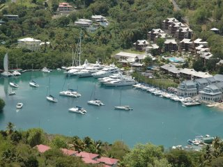 Luxurious 3 Bedroomed Apartment in 5* Capella Resort. Overlooking Marigot Bay.
