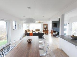Luxury Modern Ditch Plains Montauk Beach House -Walk to Beach -Hamptons New York