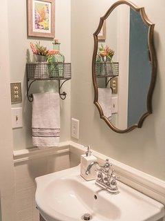 Guest Bathroom - Shower / Tub Combo