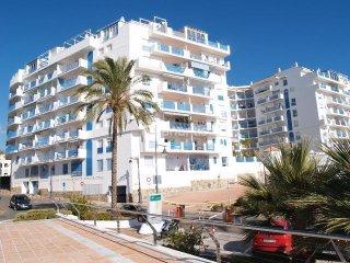 Bonito apartamento en el Puerto Deportivo de Estepona. En primera línea de playa