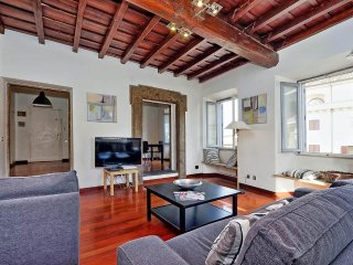 Farnese elegant apartment