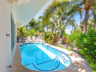 Beachside Playacar Vacation Home - Vista del Mar