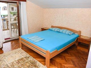 SOL Apartment 5
