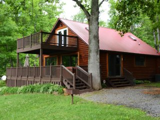 Waters Edge Lake Front Cabin on Beautiful Lake Nantahala