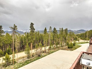 NEW! 3BR Fraser Condo w/ Deck & Mountain Views!