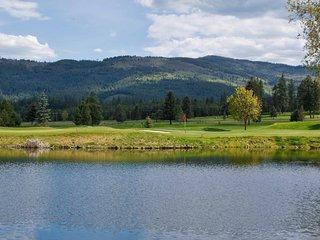 Cozy Condo on StoneRidge Golf Course w/Pool Access