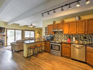 NEW! 2BR 'Ten Mile Creek Condo' in Frisco w/ Views