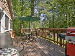 Rustic Goshen Cabin w/ Fire Pit, BBQ & Great Deck!