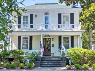 NEW! 4BR Beaufort House w/ Private Yard and Deck!