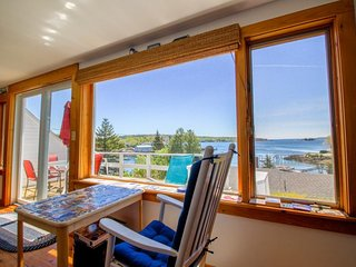 Enchanting bayview home close to the beach scene and local attractions