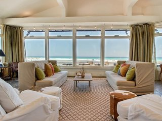 Luxury beachfront home w/ Gulf views, private hot tub, multiple decks