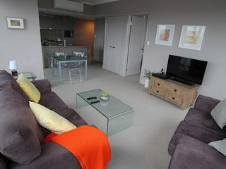 Australia Towers Floor 9 (Unit 9.01) - Executive 1 Bedroom full of natural