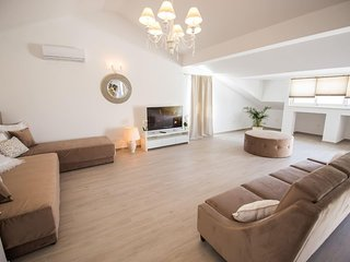 White Orchid, luxury penthouse for 11 persons