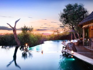 Molori Safari Lodge, Sleeps 14