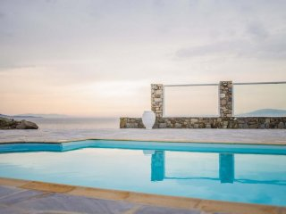 Villa Delmar 2| Pool| Seafront | Great sunset view!!
