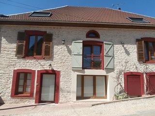 GITE 1-5 personnes 'entre sources et riviere' a 10 minutes de Besançon village