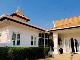Villas for rent in Hua Hin: V6349