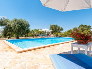 Trullo Gemelli: Countryside Trullo with Pool