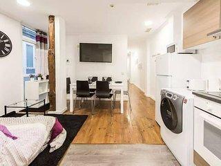 Apartamento en plena Puerta del Sol de 3 habitaciones y 3 baños