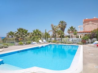 Royal Villa Seafront Luxury