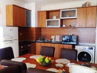 Beautiful 2 bedroom apartment near the sea