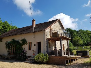 Beautiful farmhouse with heated pool, hot tub and games room. Sleeps 8