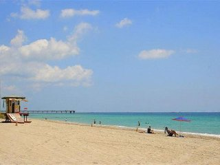 Villa Van Buren 3/2 for 8+ 5 Minute to Boardwalk & Beaches, Walk to Downtown