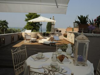 Arcimboldo House 2+2 sleeps, Emma Villas Exclusive