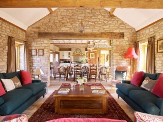 The Barns at Upper House, 8 Bedrooms, Sleeps 20,  Dogs Welcome, Hot Tub