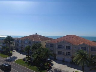 BEAUTIFUL 3 BEDROOM TOWN HOME DIRECTLY ON THE BEACH!