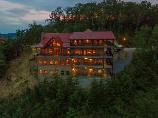 The SkyView Mansion, Most Spectacular Cabin and Views in All of the Smokies!