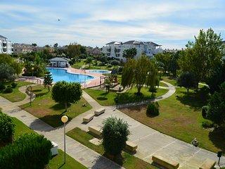 Luxury 2 bedroom apartment, golf & pool views