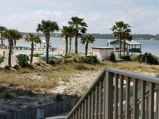 Summerhouse West 107B, 1 BR Condo with the best of BOTH worlds: OCEAN/LAGOON