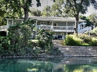 THE BEST PLACE TO STAY ON THE COMAL RIVER - 405