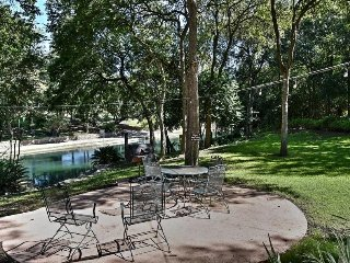 THE BEST PLACE TO STAY ON THE COMAL RIVER - 403A