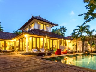 Luxury Villa Kudeta BEACH (400m), SEMINYAK CENTER (300m)