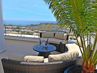 Luxury Penthouse Apartment First Row Sea Views near Old Town Albufeira & Marina
