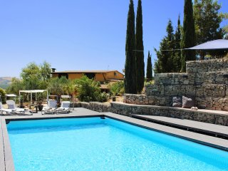 4 Bedroom Large Villa / Farmhouse - Privacy & Pool