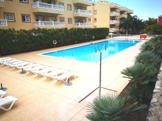 Palm Mar, lovely, swimming pool. 2 bedrooms 4pax