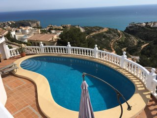 Villa Dalias with stunning sea views