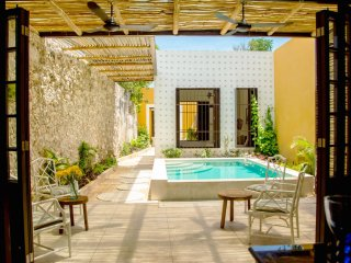Casa Medina -- Location and Style