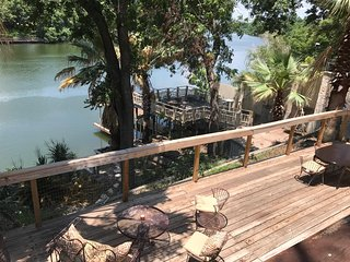 Lake LBJ-Texas Hill Country-Lakefront Home-Pool-Sleeps 23+